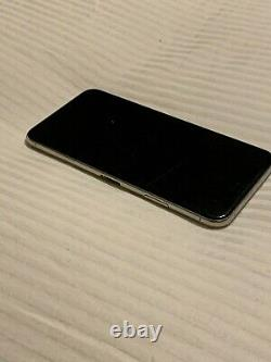 Apple iPhone 11 Pro Max 512GB Silver (Unlocked) SCREEN NEEDS REPLACED