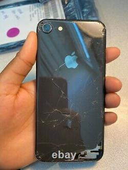 Apple iPhone 8 64GB (cracked & screen replacement needed) Carrier unlocked